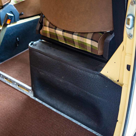 Type2 Late Bay Seat Stand Surround Mats 8.77 - 7.79, Westfalia Berlin, Pair, OEM-Nr. 211867765 B